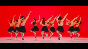 [MV] MOMOLAND (모모랜드) _ BBoom BBoom (뿜뿜) screenshot (1)